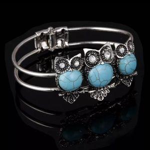 Jewelry - Boho chic Natural Stone Owl Bangle